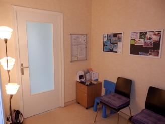Salle d'attente du cabinet d'ostéopathie Diane Le Berre